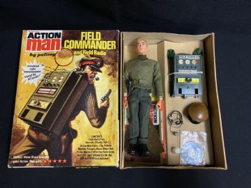 VINTAGE ACTION MAN - FIELD COMMANDER & FIELD RADIO - Boxed (Ref 8)